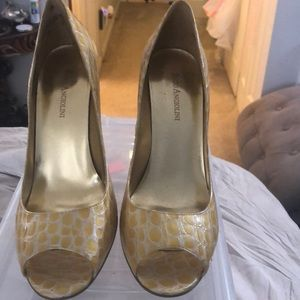 "Enzo Angiolini 4"" open toe heels yellow gold/cream"